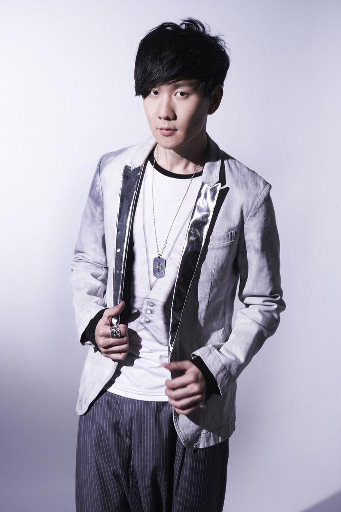 林俊杰全力准备深圳演唱会 做好音乐暂不进军电影圈