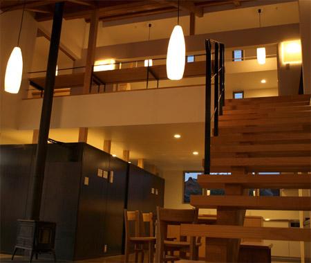 """日本阶梯房屋""""里应外合""""构奇妙空间 顶棚散步没问题"""