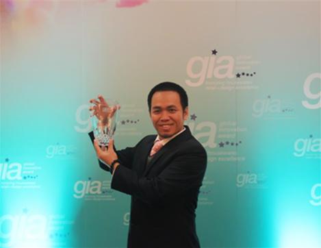 """慕思荣获国际家具协会颁发的""""2012-2013年度全球家居创新GIA大奖""""。"""