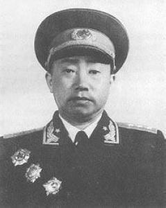 谁是唯一参与过红军三个方面军长征的独臂开国将军