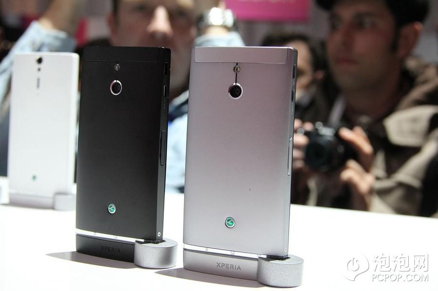 WC2012上索尼展出了最新推出的智能手机LT26i,这款手机无论是外