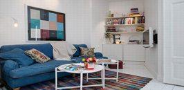 白色地板点缀蓝色元素