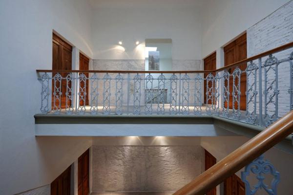 佛罗伦萨质朴古董风与科幻现代风混搭的室内设计