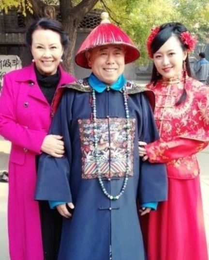 温柔贤惠的妻子和聪明可爱的女儿,是潘长江生命中最重要的两个女人.