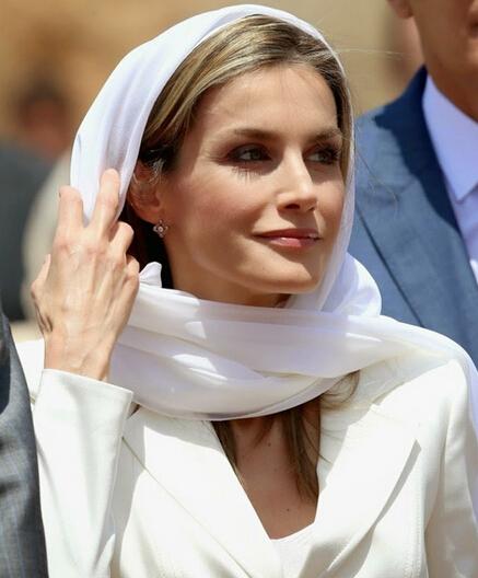 王室一周LOOK 穿再美不如萝莉卖个萌
