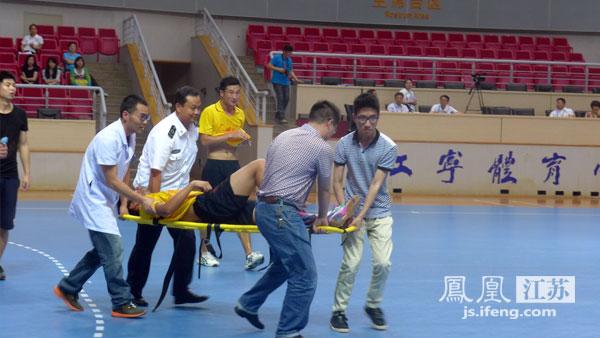 青奥柔道、专项足球v柔道赛在江宁体育中心举手球一字马图片