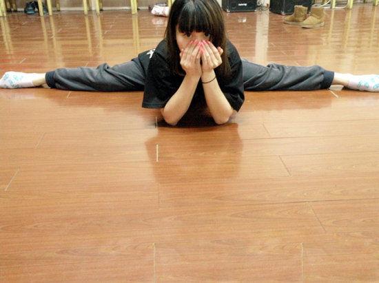 组图:女生爱劈叉 舞蹈学院的那些软妹子们