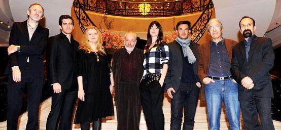 柏林电影节评审团会见媒体 主席迈克-李率众成员亮相