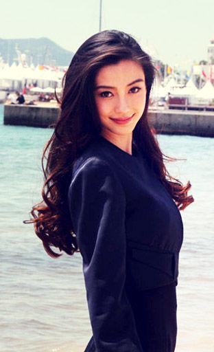 Angelababy:海滩上的风情