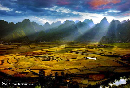八卦山水风景图片