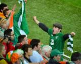 爱尔兰球迷不离不弃令人动容