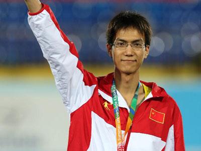 大运会-清华跳高选手王宇 夺得中国田径首枚奖牌