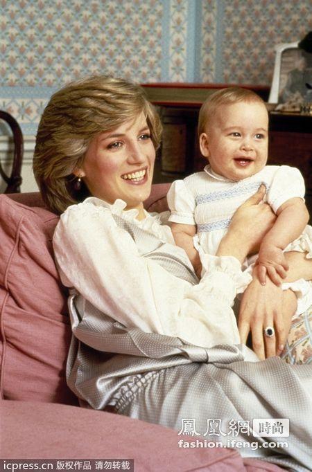1984年,戴安娜王妃和威廉王子.-威廉王子童年照片回顾
