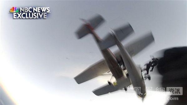 美威州两飞机3000米高空相撞[11P]