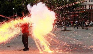 记者巴西街头遭炮击身亡