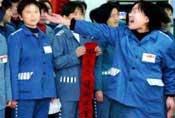 实拍中国犯人的监狱生活