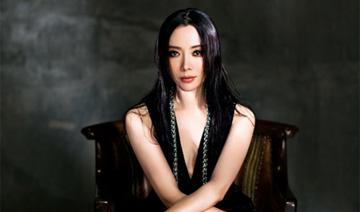 """36岁陈数再登时尚杂志:让""""中国女人""""形象震撼全球"""