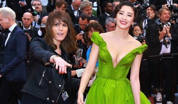 中国女星走红毯不招外国人待见?