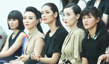 """5女星看秀 齐齐""""侧目"""""""