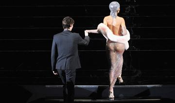 一周图片:流行天后蕾哈娜亮相颁奖礼