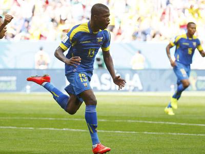 瓦伦西亚无人盯防头球破门 厄瓜多尔1-0瑞士