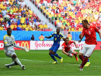 穆罕穆迪跳起甩头破门 瑞士1-1扳平厄瓜多尔