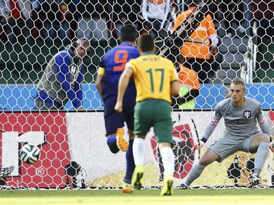 耶迪纳克点球一蹴而就 袋鼠2-1荷兰