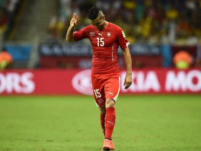 瑞士队泽马伊利远距离直接任意球射门得分 花絮