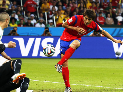 具滋哲左脚建功 韩国2-4阿尔及利亚