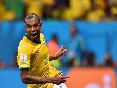 费尔南迪尼奥锦上添花 巴西4-1大胜喀麦隆