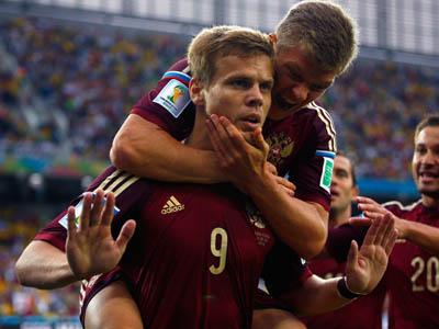 科科林接边路传中头球破门 俄罗斯1-0阿尔及利亚
