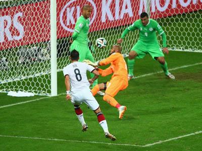 法国队格里兹曼门前抢点对方乌造龙锁定胜局