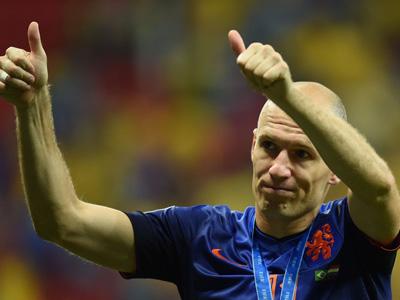 罗本制造点球范佩西破门 荷兰3-0巴西获季军