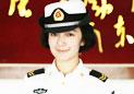 海军首批舰艇指挥专业女学员毕业获佩剑