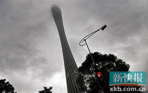 龙卷风袭击广东导致5死168伤 广州停水停电