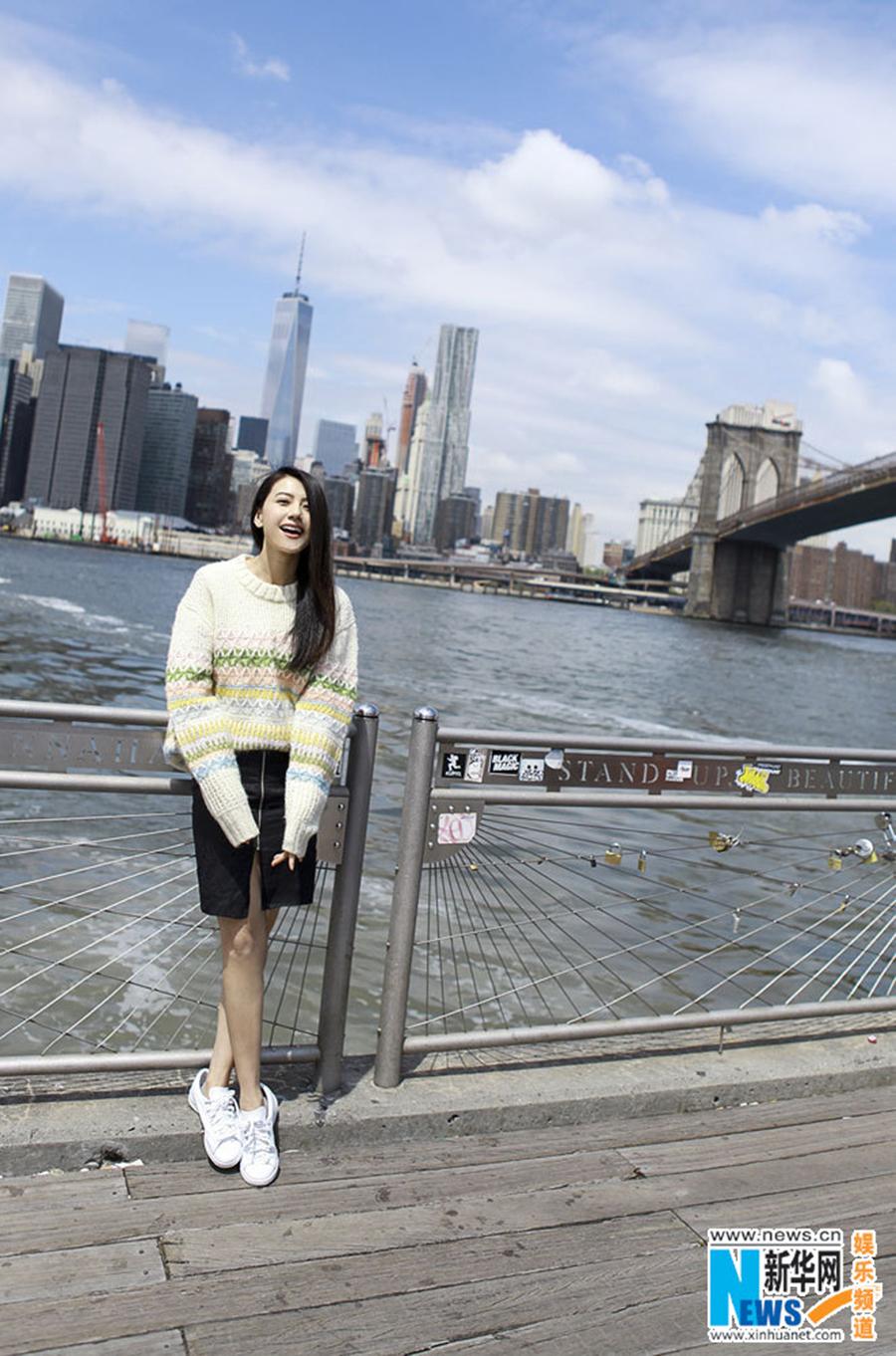 高圆圆纽约街拍美照 笑容灿烂温暖明媚