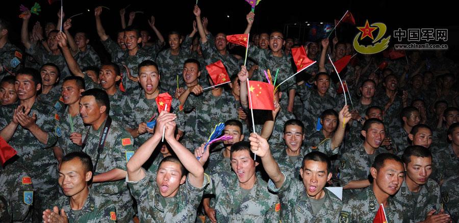 和平使命-2012联演日记:和平之歌在胡占德回荡