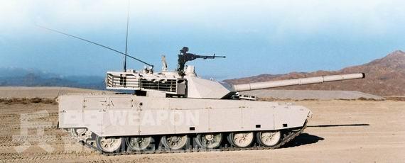 资料图:中国 MBT-3000 主战坦克。