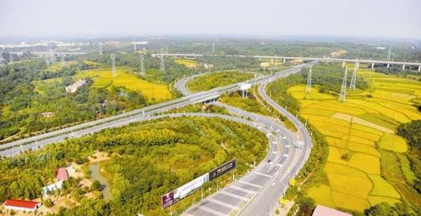 高铁开通后,信阳到郑州不过1小时,到武汉40分钟,到合肥,南京,上海都很