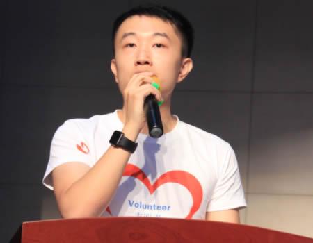 关爱留守流动儿童夏令营志愿者项目负责人葛丁雨发言
