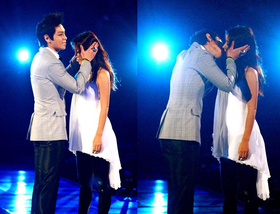 接吻 mama/每年都展示新颖而华丽的舞台表演而引起话题的亚洲最大音乐盛典...