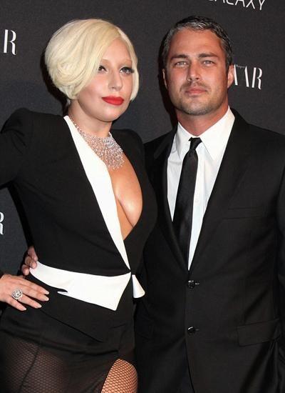 "Lady Gaga与男友举办""承诺""仪式 有望明年结婚"