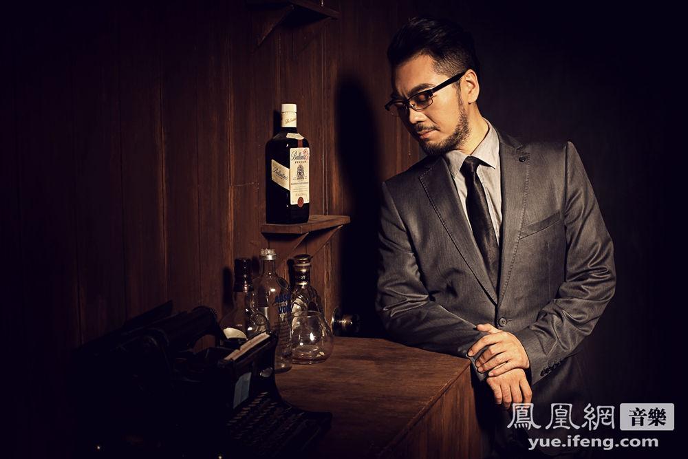 作为2013年《中国最强音》最悲情的草根歌手,彭博在离开最强音舞台之后,他的个人发展却一直被大众所关注。日前,彭博低调了发布了其最新单曲《余生的美好》,宣告他的音乐梦想并未停歇。