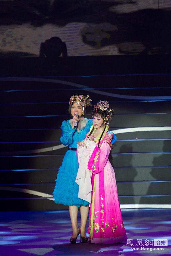 月20 日,总政歌舞团青年歌唱家白雪全国巡回演唱会《暖色白雪》