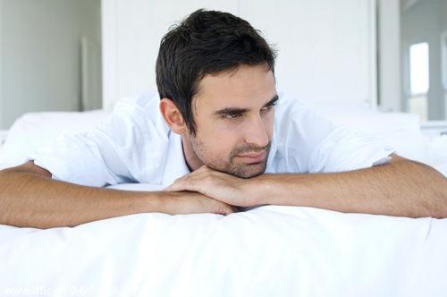 男性何种睡姿最补肾
