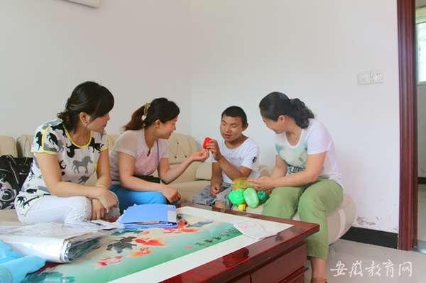 国家,社会,学校和家庭对残疾儿童,少年实施义务教育.