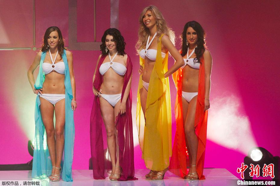 变性美女参加选美比赛 比基尼亮相曲线婀娜