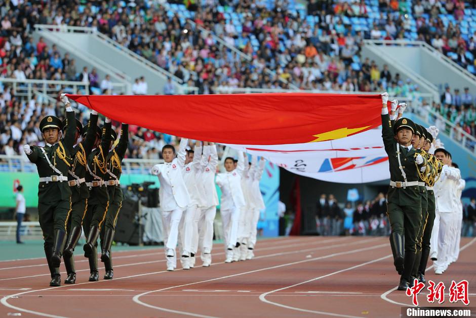 第十二届全运会在沈阳开幕 张继科任山东代表团旗手