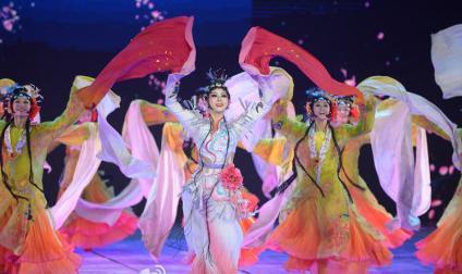 春晚只能打20分  我们全家没有人喜欢看 -  鼓月斋主 海西墨客1 - 中华文化传媒网
