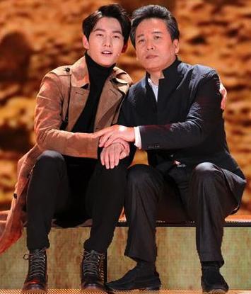 佟铁鑫杨洋演绎父子